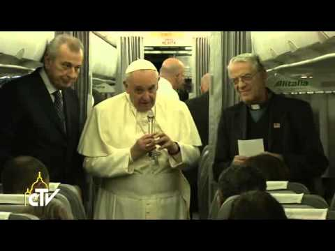Pope Francis: Muslim leaders should condemn terrorism
