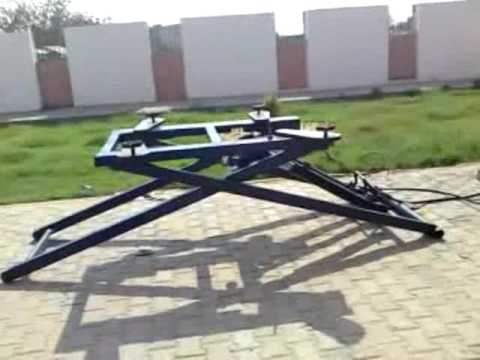 Portable Hydraulic Car Lifter By Ahmed Hunter Amp Amr Awad