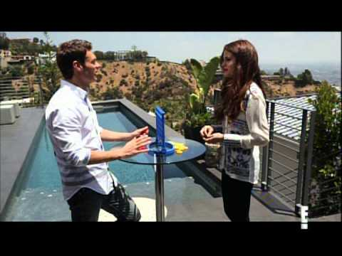 Ryan Seacrest interviews Selena Gomez - July 2013 - Segment on E!