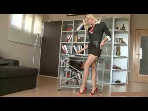 Sexy Legs n´ ass secretary (HD)