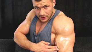 Kiss These Muscles