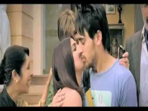 Delhi Belly Movie Review by Taran Adarsh - Bollywood Hungama