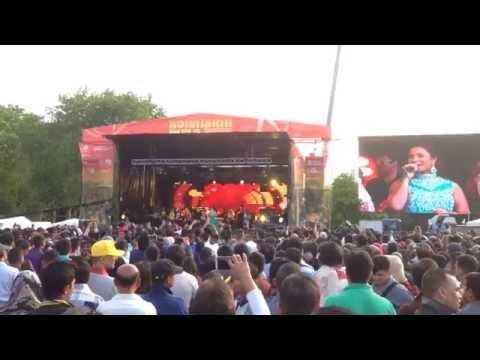 Ladki badi anjani hai - Kuch Kuch Hota Hai (1998) HD (Live)