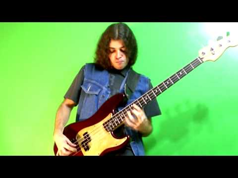 Rising Force Solo On The BASS (Yngwie Malmsteen And DragonForce Cover Versions)