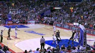 P.J. Tucker punches Blake Griffin to the face, gets ejected | 10 Mar 2014