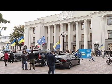 Ukraine critics denounce Russian influence over EU trade deal