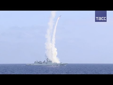 """Фрегат """"Адмирал Эссен"""" нанес удар """"Калибрами"""" по объектам террористов в Сирии"""