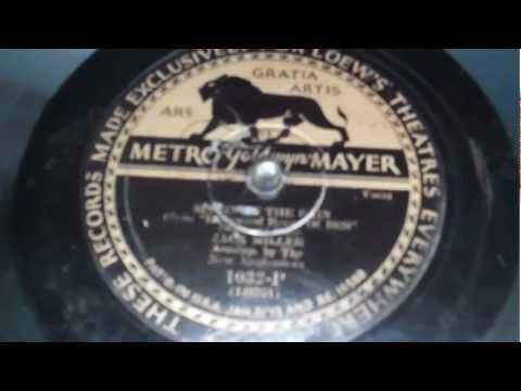 Very Rare Metro Goldwyn Mayer Label. Singing in the Rain from 1929