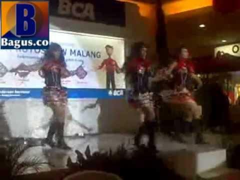 Toko.Bagus.co – Ayuga Dancer BCA Autoshow 2012