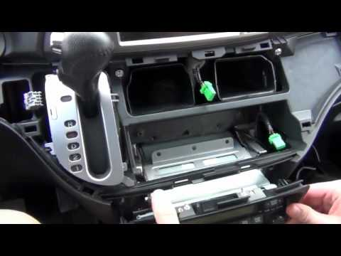 GTA Car Kits - Honda Odyssey with Navigation 2005-2010 iPod. iPhone and AUX adapter installation.flv