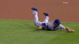 Quintanilla dives for an unbelievable catch
