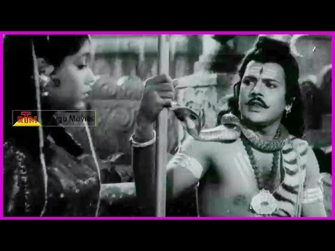 Nagula Chavithi - Telugu Full Length Movie - Showkar Janaki, Jamuna