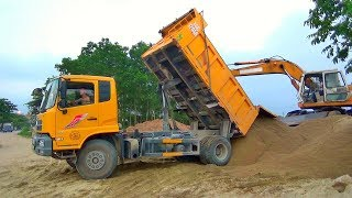 Bé xem xe ô tô tải ben chở và đổ cát   Nhạc thiếu nhi : Búp bê bằng bông   Tientube TV