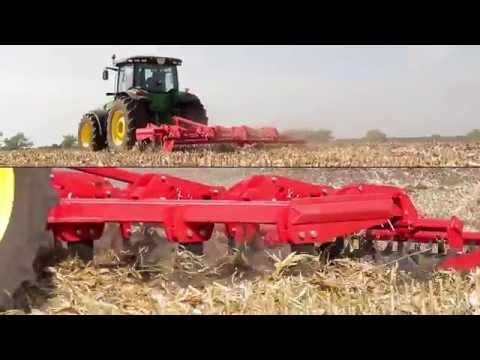 Новый украинский глубокорыхлитель — работа по кукурузной стерне