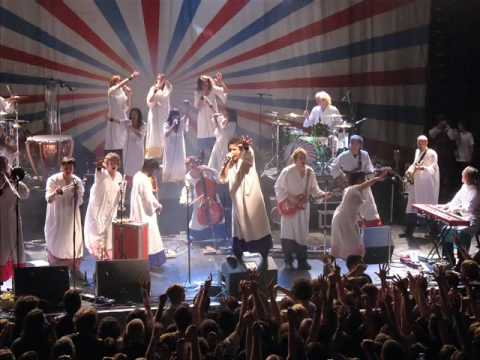 Polyphonic Spree - Section    reach for the sun