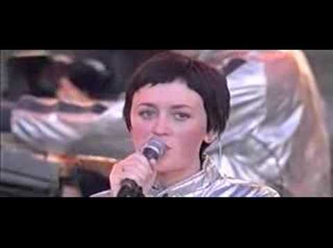 Ladytron - The way that I found you- @ La Route Du Rock 2001