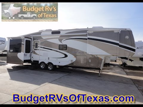 2009 38ft Cedar Creek Custom 5th Wheel Travel Trailer