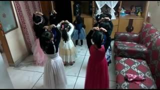 Group dance on 'A LEKE CHALU TUJHKO' song
