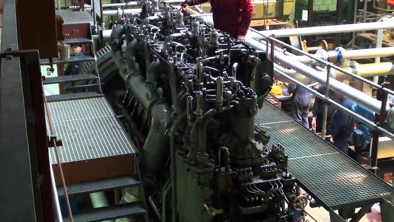 MAN F6V35 World War 1 U-boat diesel engine load run - YouTube