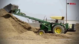 [Bull Telescopic Loader on John Deere Tractor Handling Husk] Video