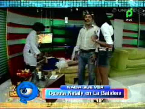 NATALY JUSTINIANO DEBUTA EN LA BATIDORA 13-05-2011@ NQV - BOLIVIA