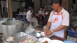 Hương vị quê hương trên đất Lào