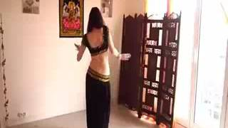 Sheela ki Jawani Indian girl dance