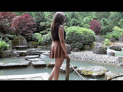 Das Mädchen Im Japanischen Garten/The Girl In The Japanese Garden - Japanischer Garten Augsburg
