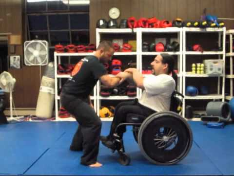Kuntao Jiu-Jitsu: Instructional Training Video: Joint Manipulations  - Cobra Lock Image 1