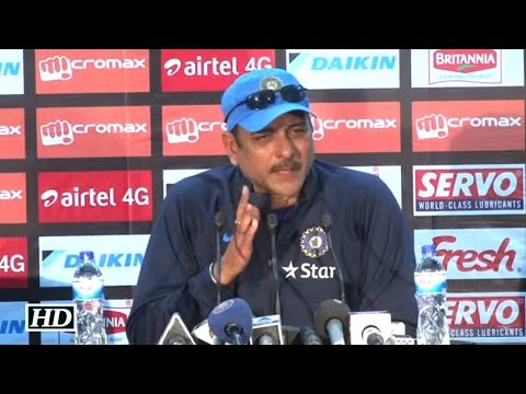 Shastri Reacts On Image of Taskin Ahmed carrying Dhoni's severed head