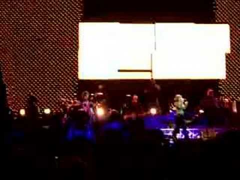 Kelly Clarkson - Addicted (Live 7/10/06 - Darien Center, NY)