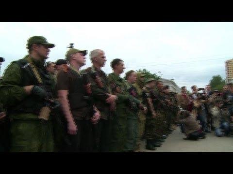 Rebel volunteers ready for Ukraine frontline