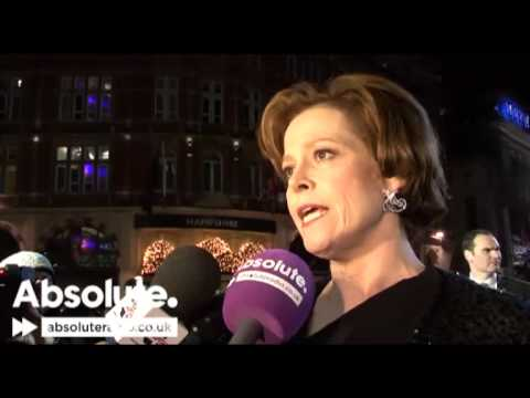 Avatar interview: Sigourney Weaver at Avatar world premiere - talks Ghostbusters 3