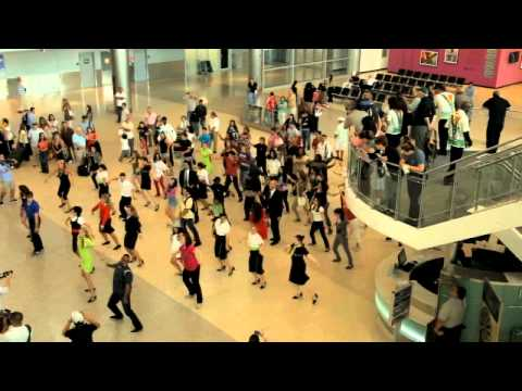 TAP Flash Mob Miami International Airport