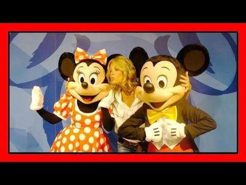 Alessia Marcuzzi alla cerimonia di apertura del nuovo Disney Store di Roma
