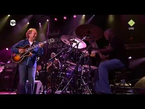 North Sea Jazz 2009 Live - Lee Ritenour - Stolen (HD)