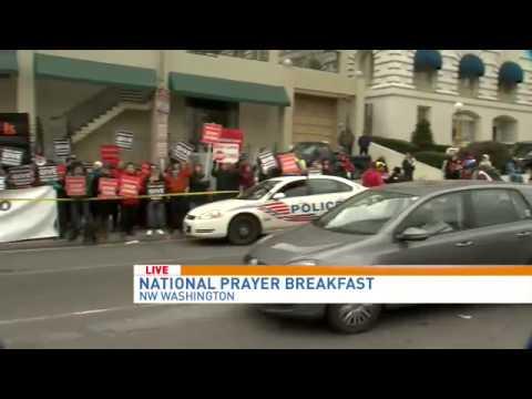 Obama, Dalai Lama attend National Prayer Breakfast