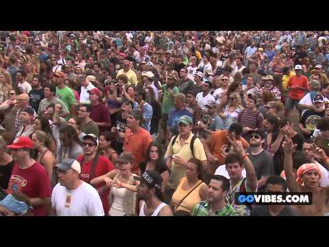 """The Black Crowes performs """"By Your Side"""" at Gathering of the Vibes Music Festival 2013"""