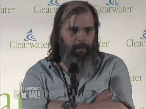 Singer-songwriter Steve Earle on Pete Seeger. Democracy Now 5/4/09 9 of 15