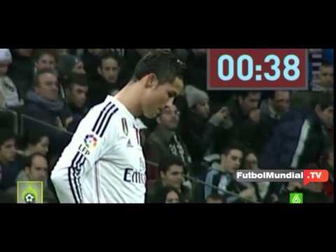 Increíble reacción de Cristiano Ronaldo desanimado ante el Levante Minuto de silencio 2015