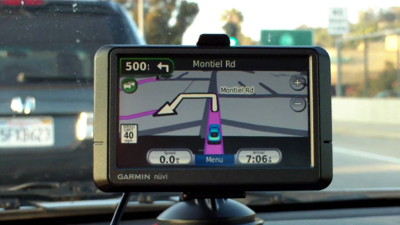 Garmin Nuvi 265wt Vs Mio Moov 200 Auto Gps Road Test