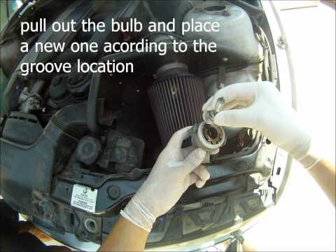 BMW E46 '99-'05 | Headlight bulb change