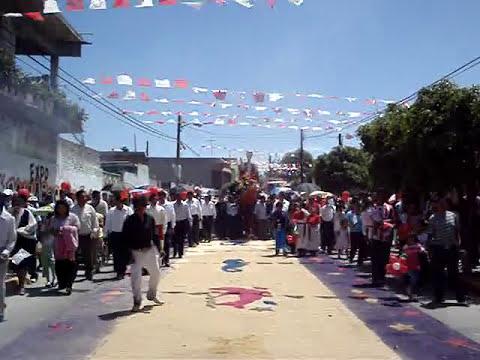 San Pedro Xalostoc Procesión calle Insurgentes