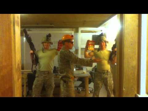 Sexy  Dan Olsen/Bob the Builder does the macarena in Iraq