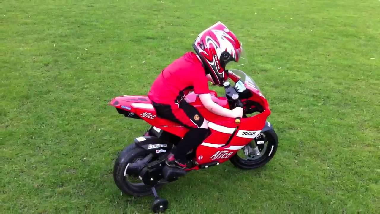 Peg Perego Ducati Moto Gp Crash Youtube