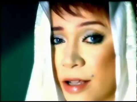 Melly Goeslaw Nyanyikan Lagu Religi Bukan untuk Dakwah