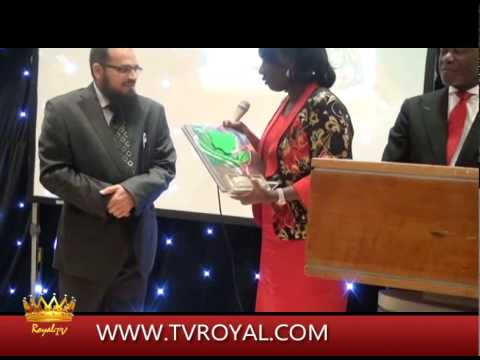 Dr Nazir Ahmed of Best Tutors Won Nigeria Arise Education Ambassador 2014