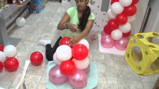 columna de hello kitty en globos