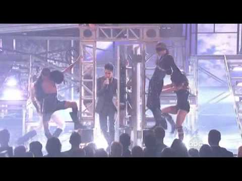 Adam Lambert - For Your Entertainment (Live @ AMA 09)