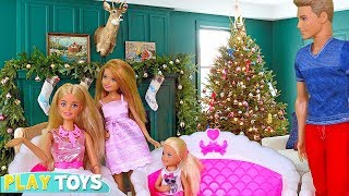 Christmas Day at Barbie Doll Dream House w/ guests Disney Princess Rapunzel, Ariel, Belle! Play Toys